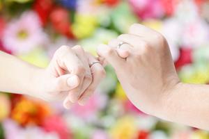 夫婦や家族の絆を結ぶ