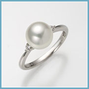 真珠サイズ約8.5mm、リング幅約2mm